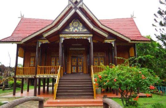 Gambar Desain Rumah Adat Jambi