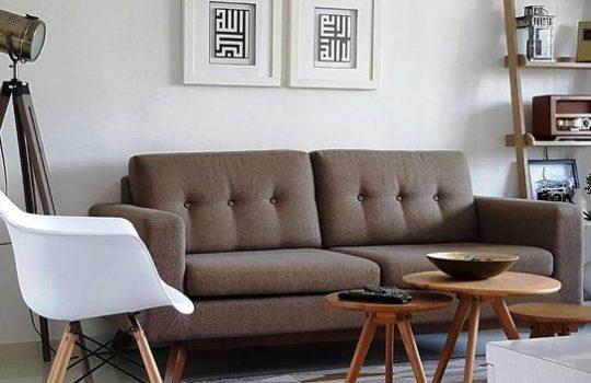 Ruang Keluarga Kecil Minimalis Putih Coklat Elegan